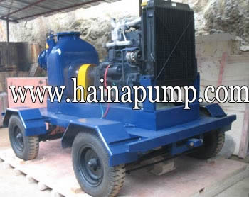 Self-priming-Engine-Driven-Trash-Pumps-with-Trailer
